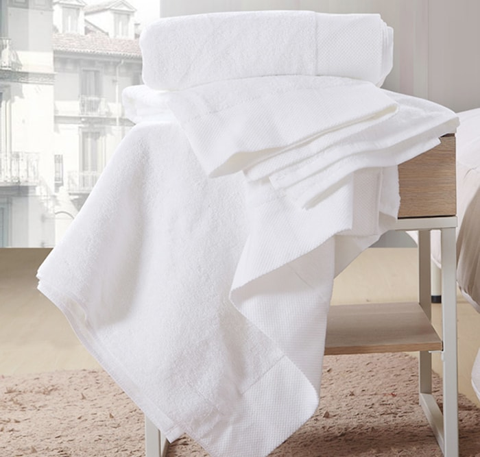 Bán khăn tắm nhà nghỉ